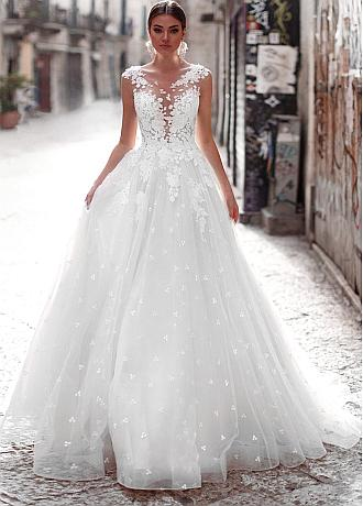 Modern Tulle Jewel Neckline A-line Wedding Dresses With Lace Appliques
