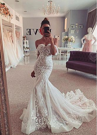 Chic Lace Off-the-shoulder Neckline Mermaid Wedding Dress With Lace Appliques