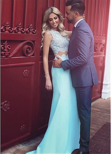 Amazing Tulle Jewel Neckline Mermaid Two-piece Formal Dresses With Lace Appliques