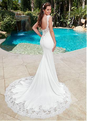 Stunning Tulle & Acetate Satin V-neck Neckline Mermaid Wedding Dress With Lace Appliques & Beadings