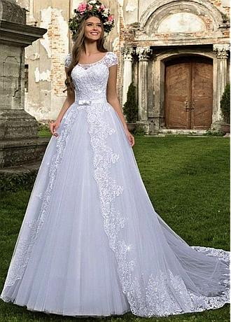 Exquisite Tulle Jewel Neckline Ball Gown Wedding Dresses With Beaded Lace Appliques & Bowknot